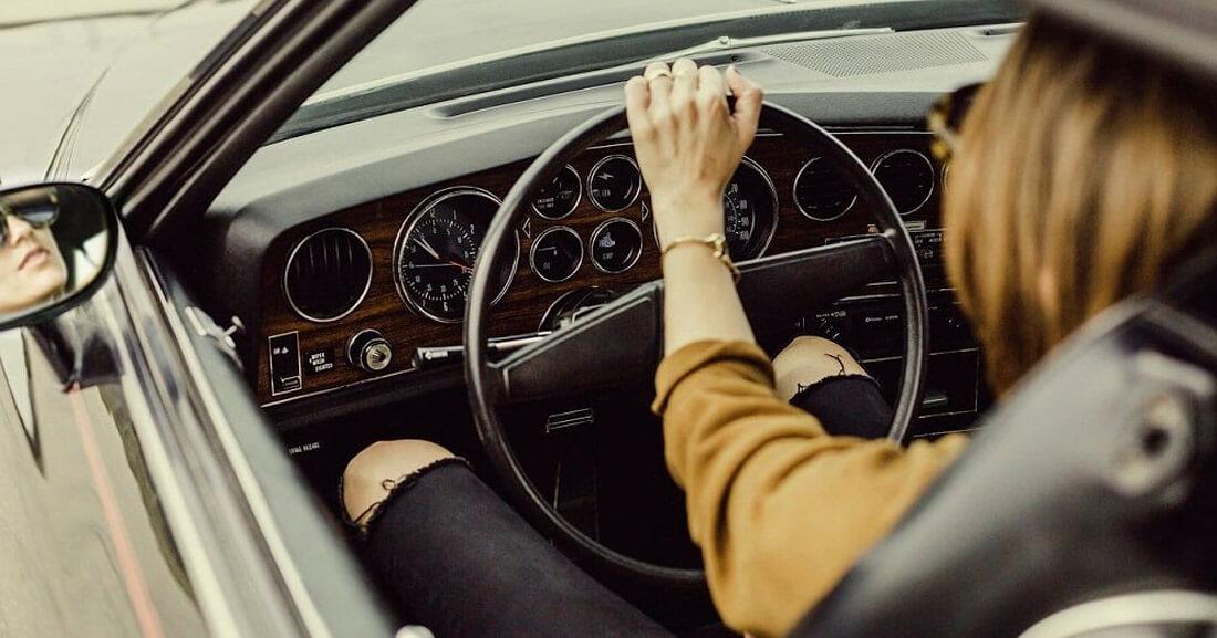 Простые советы, как держать правильную осанку при вождении